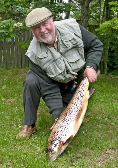 Photograph of Caithness Angler takes Record Fish