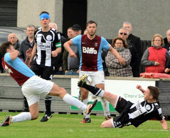 Photograph of Last-gasp strike forces cup replay
